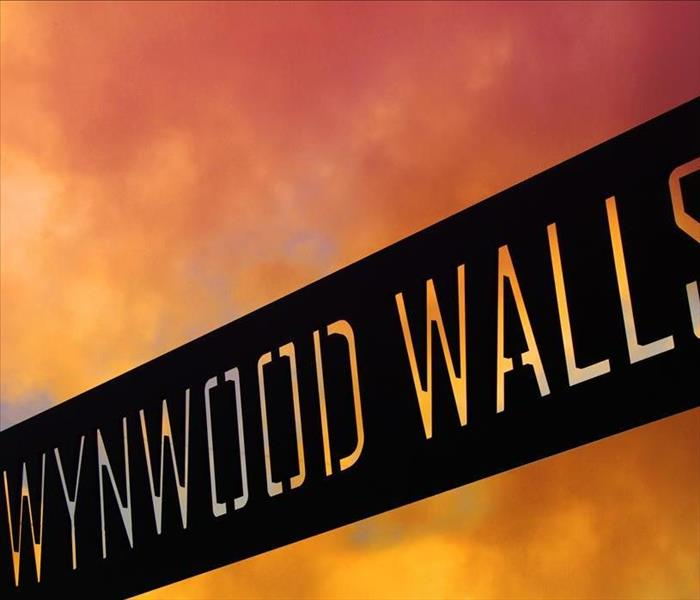 A sign that says Wynwood walls.
